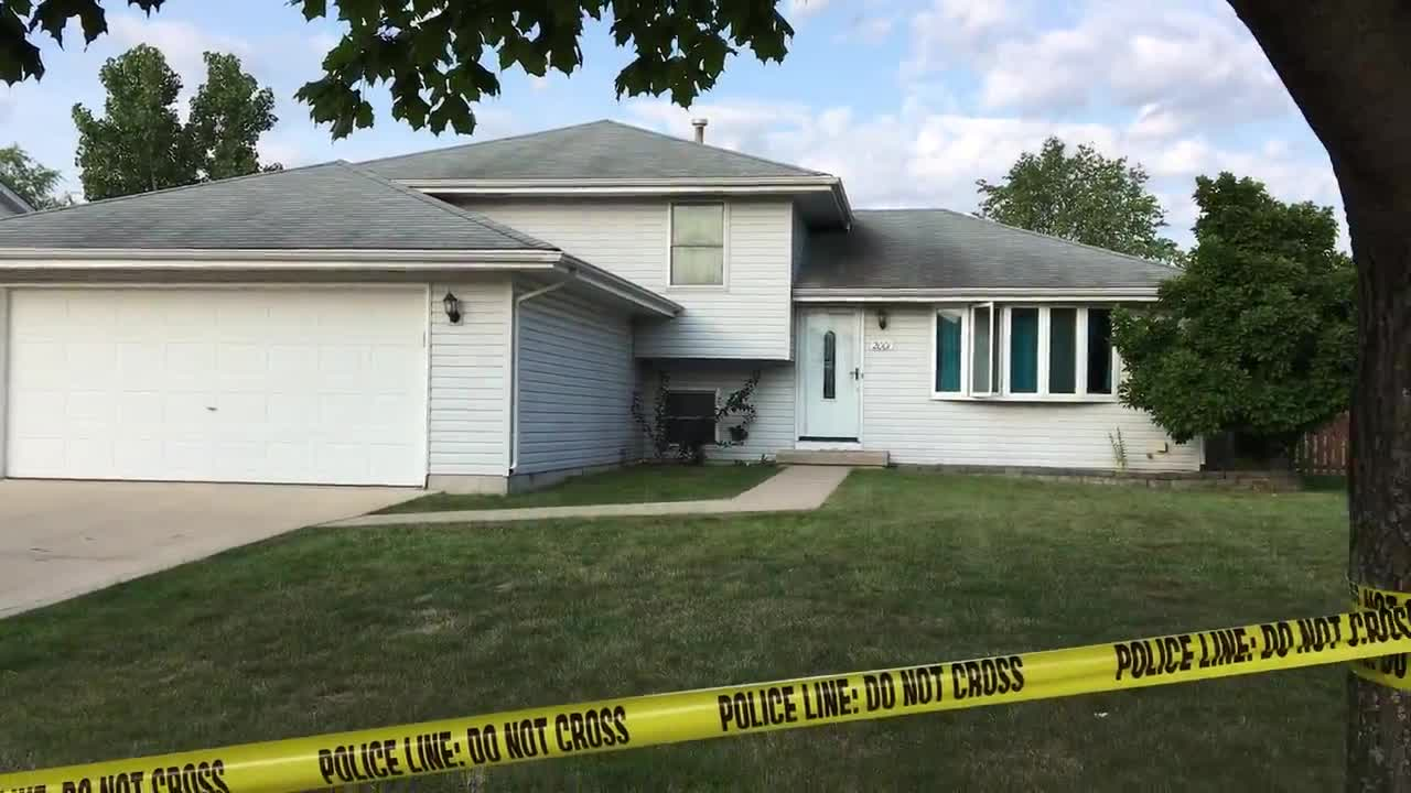 Julia police respond to a triple homicide in the 1900 block of Great Falls Drive.