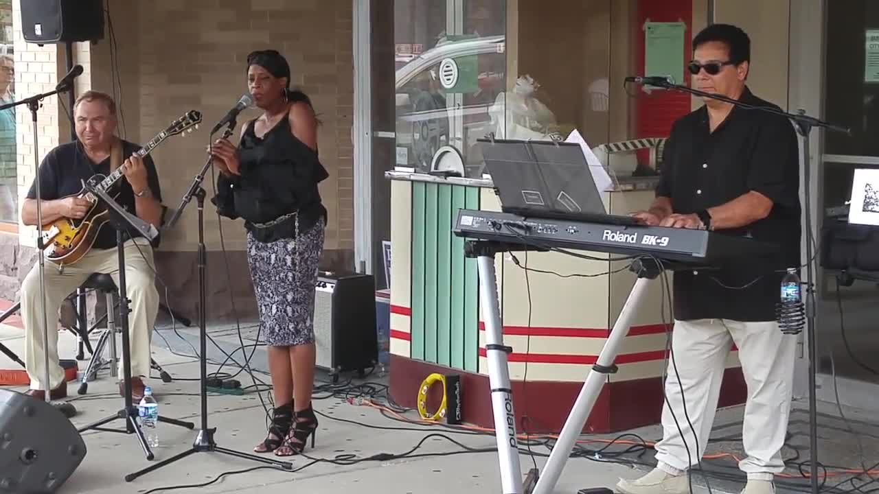 There was live entertainment for those attending the Wheaton Wine Walk in downtown Wheaton on Aug. 10.